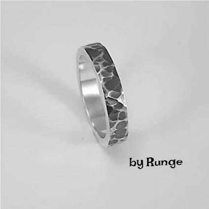 Cisseleret ring