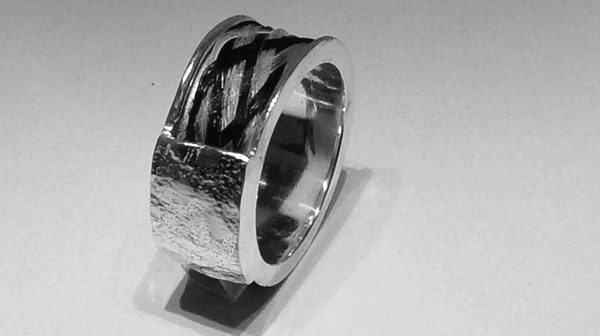 smykker af hestehår - ringe med hestehår