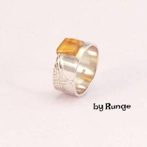 Ring med rav - håndlavede smykker