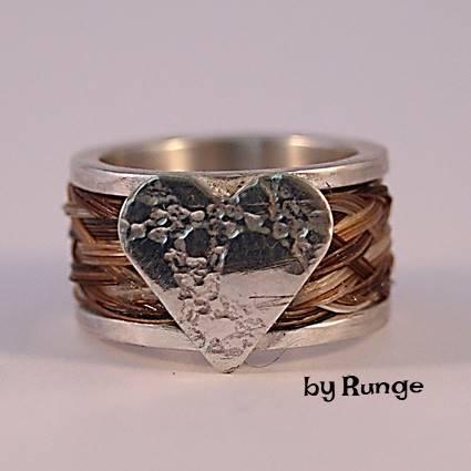 bred ring med hestehår og hjerte- smykker med hestehår